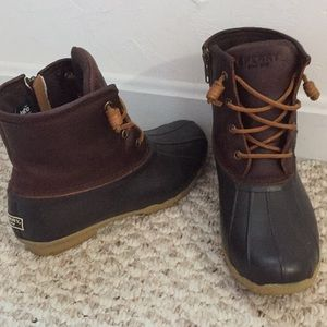Size 6 Maroon Sperry Saltwater Duck Boots